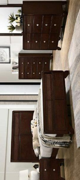 🍃the price is nice🍃Tamblin Cherry Panel Bedroom Set for Sale in Jessup, MD