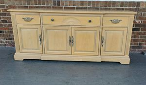 Vintage Bernhardt console buffet sideboard cabinet TV stand for Sale in Fort Lauderdale, FL