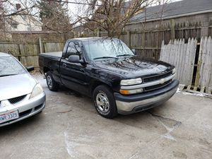 Cleveland ohio {contact info removed} Chevy c10 2001 270,000 v8 4.8 for Sale in Warrensville Heights, OH