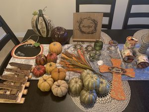 Fall/thanksgiving decor. $1 each for Sale in Schiller Park, IL