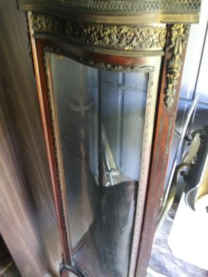 Antique china cabinet for Sale in Lindenwold, NJ