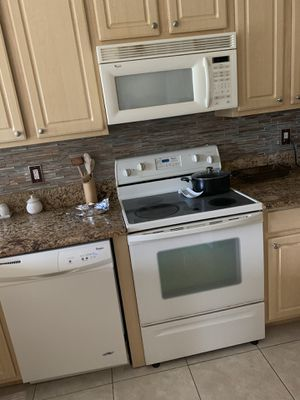 Whirlpool Appliances - Dishwasher, Stove, & Microwave for Sale in Boynton Beach, FL