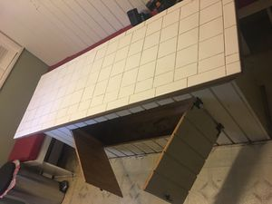 Kitchen island for Sale in Woodlawn, MD