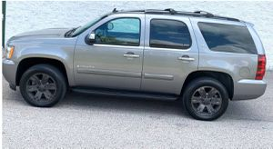 Excellent. Chevrolet Tahoe 2007 LTZ SUV Great Wheels for Sale in Arlington, TX