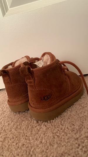 Toddler Ugg boots ( Boys or girls) 6c for Sale in Lithonia, GA