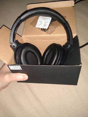 Brand new leeds headphones for Sale in Grand Prairie, TX