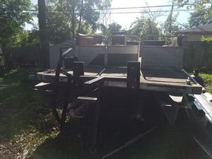 Lowe pontoon boat for Sale in Round Lake Beach, IL