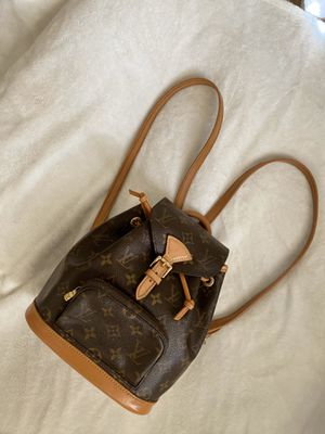 Vintage Louis Vuitton Montsouris PM for Sale in Kapolei, HI