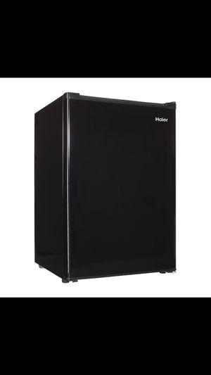 HAIER mini fridge for Sale in Las Vegas, NV