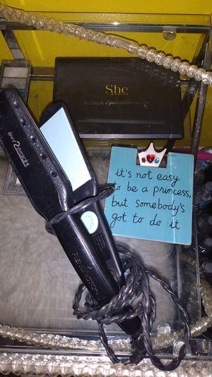 Wet 2 straight remington hair straightener for Sale in Dallas, TX