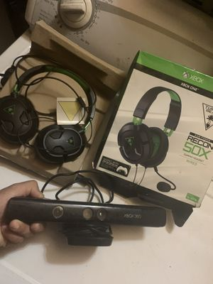 Camara XBOX 360 y GAMING HEADSETS WIRED for Sale in Los Angeles, CA