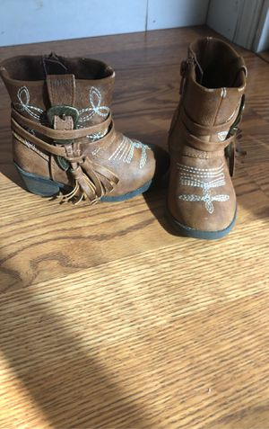 Madden Girl toddler boots for Sale in Lemoore, CA