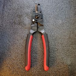 """Snap On Tools 9"""" Wire Stripper, Cutter, Bolt Cutter PWCS9 for Sale in Los Angeles, CA"""
