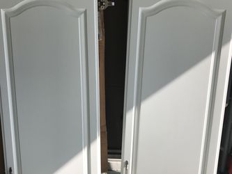 Cabinet cover, selling all 6, excellent condition for Sale in Rosemead,  CA