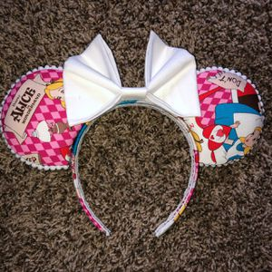 Handmade Alice in Wonderland Disney Minnie/Mickey Ears for Sale in San Dimas, CA