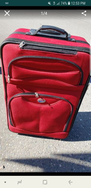 Red Luggage travel bag for Sale in Seattle, WA