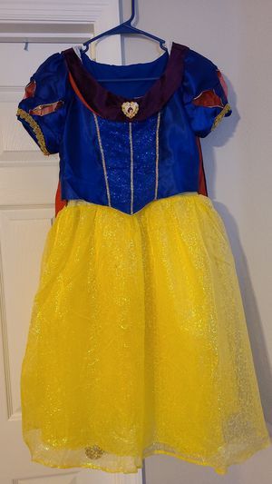 Disney snow white dress for Sale in Poinciana, FL