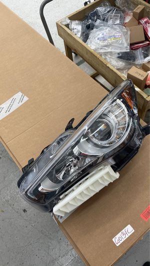 2019 Infiniti Q50 left headlamp perfect insurance quality for Sale in Hialeah, FL