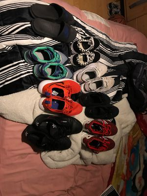 Nike's ,pumas ,adidas ,vans ,Nike slides for Sale in Grand Prairie, TX