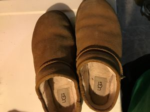 Ugg slides size 6.5 or 7 they run kind of big for Sale in Maple Heights, OH