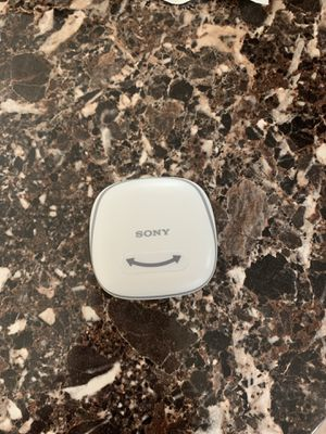 Sony SP700N Wireless Noise Canceling Sports in-Ear Headphones White WF-SP700N/W for Sale in Cleveland, OH