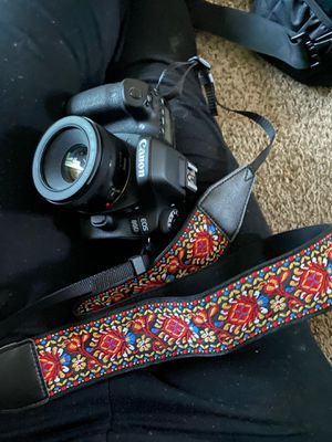 Canon EOS 80D for Sale in Norfolk, VA