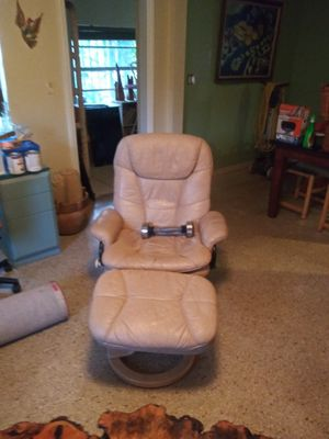 Leather reclining chair for Sale in Miami, FL