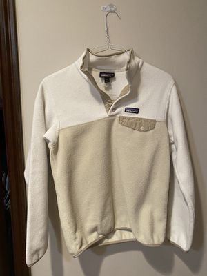 Cream and White Patagonia Fleece Size Small for Sale in Holmdel, NJ