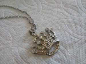 Silver Tone Rhine stone charm w/chain. for Sale in Colorado Springs, CO