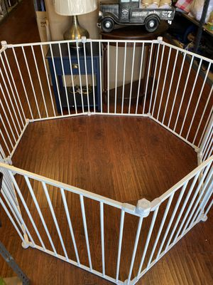Baby gate 4in1 opening up to 11 feet wide adjustable for Sale in Los Angeles, CA