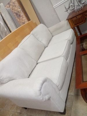Couch for Sale in Oakland Park, FL