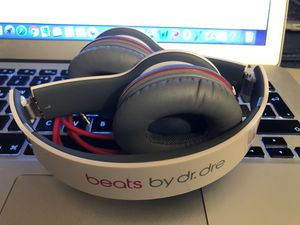 Beats by Dr. Dre White for Sale in Arlington, VA