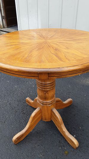Raymour and Flanigan table for Sale in Mayville, NY