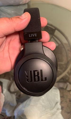 JBL Live Bluetooth headphones new out the box. With google assistance for Sale in Philadelphia, PA