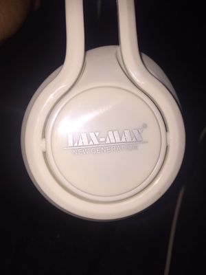Wireless Bluetooth headphones for Sale in Fresno, CA
