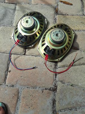 2 6 by 9 car speakers for Sale in Land O Lakes, FL