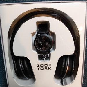 Zoo York Analog Watch & Headphones for Sale in Henderson, NV