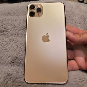 Selling My 2 IPhone 11 Pro MAX for Sale in Fresno, CA