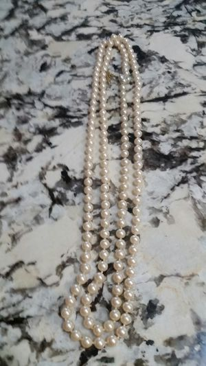 24 inch costume pearl necklace for Sale in Port Charlotte, FL