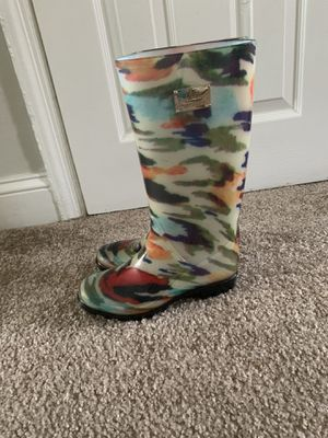 Rain boots size 6 for Sale in Halethorpe, MD