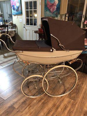 Silver cross stroller for Sale in Vallejo, CA
