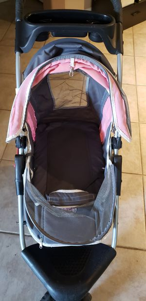 PetZip 3 Wheeled Folding Jogger Jogging Pet Dog Stroller Holds up to 18lbs for Sale in Las Vegas, NV