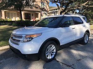"Ford Explorer XLT 2013 Clean Tittle ""Blue Title"" for Sale in Houston, TX"