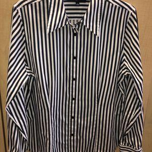 Jones New York Women Shirt size Large for Sale in Pompano Beach, FL