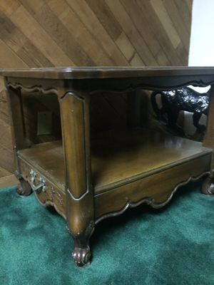 Antique Wooden Coffee Table for Sale in East Windsor, NJ