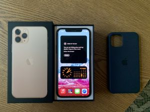 iPhone 11 Pro Gold UNLOCKED (64 GB) for Sale in Yucaipa, CA