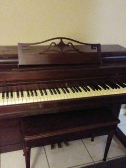 Wurlitzer Piano for Sale in Tampa,  FL