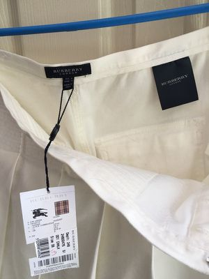 New Burberry skirt with tags size US 6 for Sale in Austin, TX