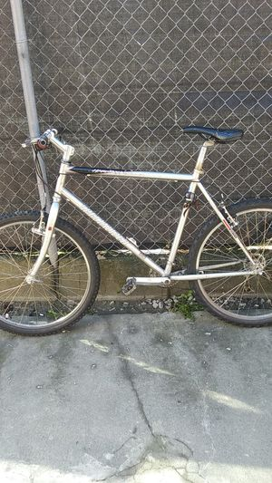Specialized HardRock Comp Mens Mountain Bike for Sale in Everett, WA
