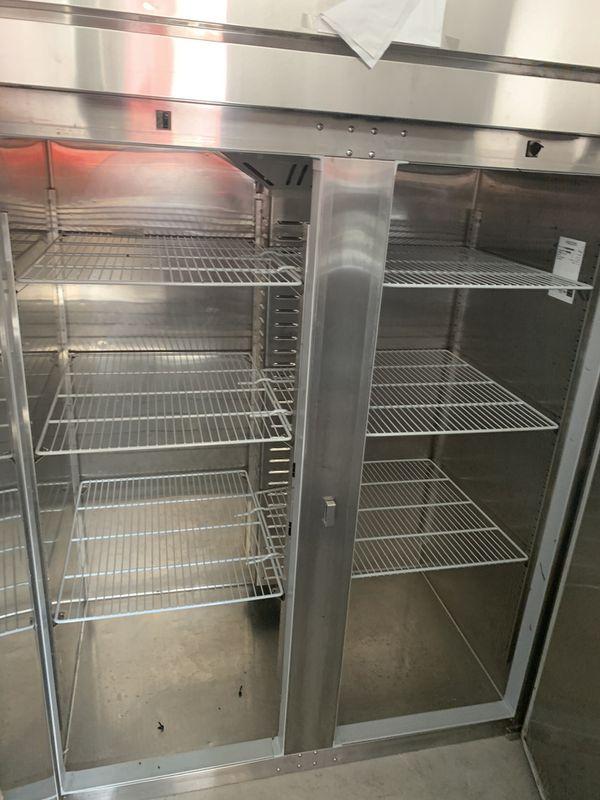 Restaurant Equipment (stand up Freezer)